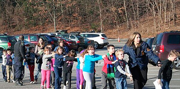 This image has an empty alt attribute; its file name is newtown-shooting-conn-1.jpg